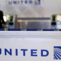"United Airlines ""Loses"" 10-Year-Old Girl, Enters Social Media Hell"