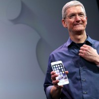 Apple's Gay CEO Fills Role Model Void for LGBT Employees